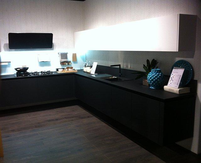 Cucina lube oltre nera rovere vissani casa for Cucina oltre lube